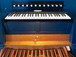 Spieltisch der Orgel in der Johanneskirche