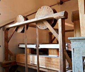Keilbalganlage der Orgel in St. Ilgen